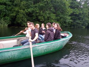 """Biologie E-Kurs-Forscherteam auf Exkursion zum """"Heiligen Meer"""""""